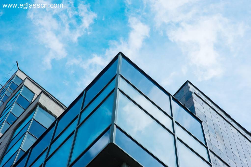 玻璃现货市场总体走势尚可,生产企业出库环比继续改善