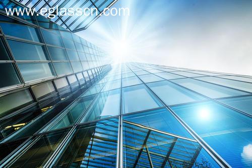国内浮法玻璃现货市场商投积极向好,市场成交价格宽幅上涨